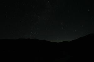 別山方面の稜線と星空