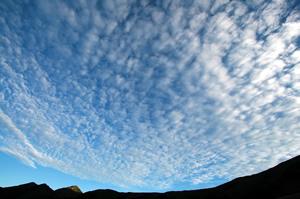 奥大日岳方面の空